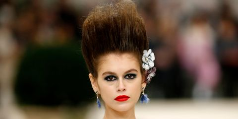 67b74e67d7d1 Chanel Couture Served Up An 80s New Romantic/French Rococo Make-Up ...