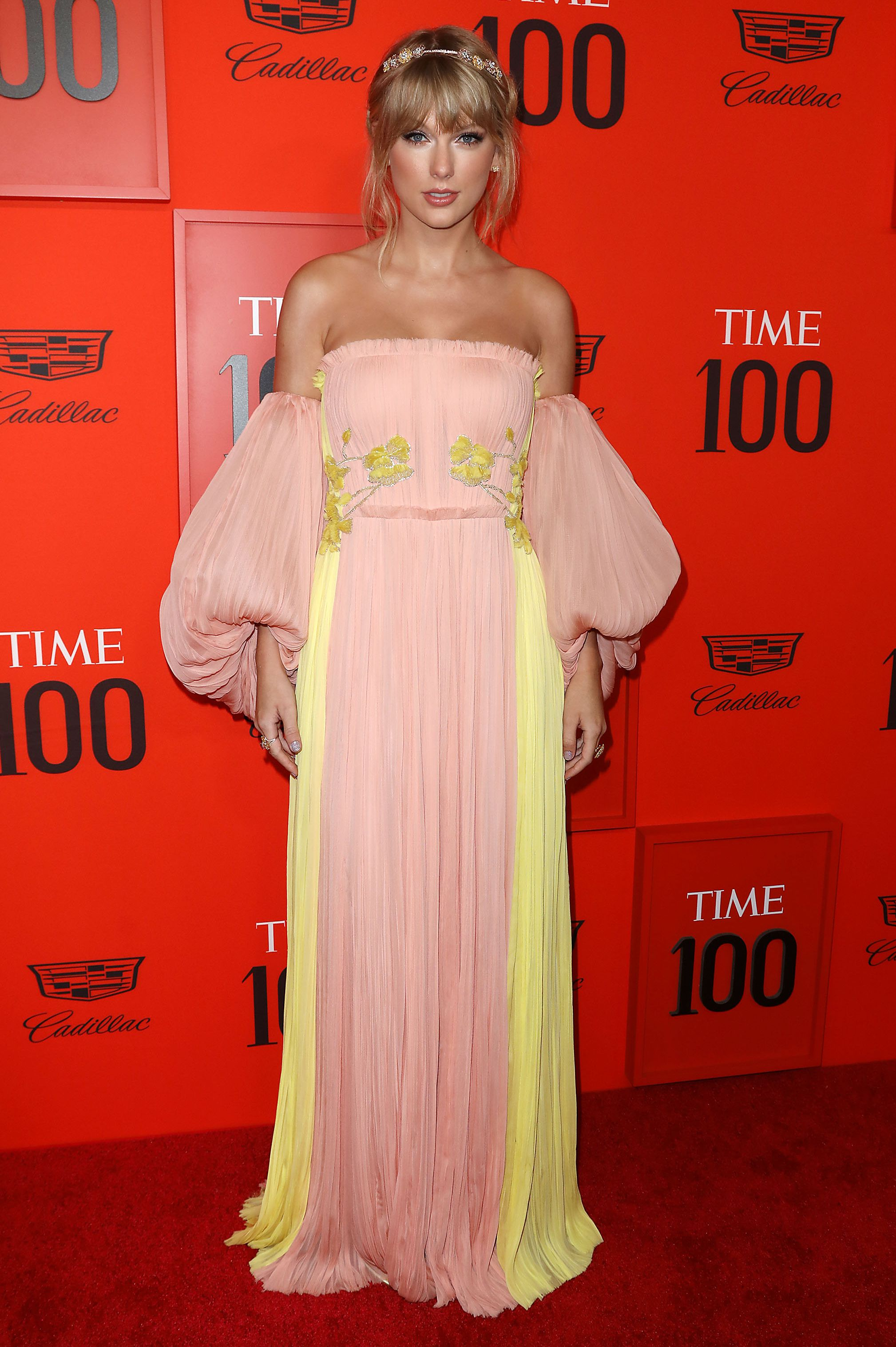 Taylor Swift's Style File - Every One Of Her Country Glam Outfits