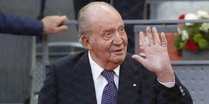 Rey Juan Carlos anuncia su retirada de la vida pública.