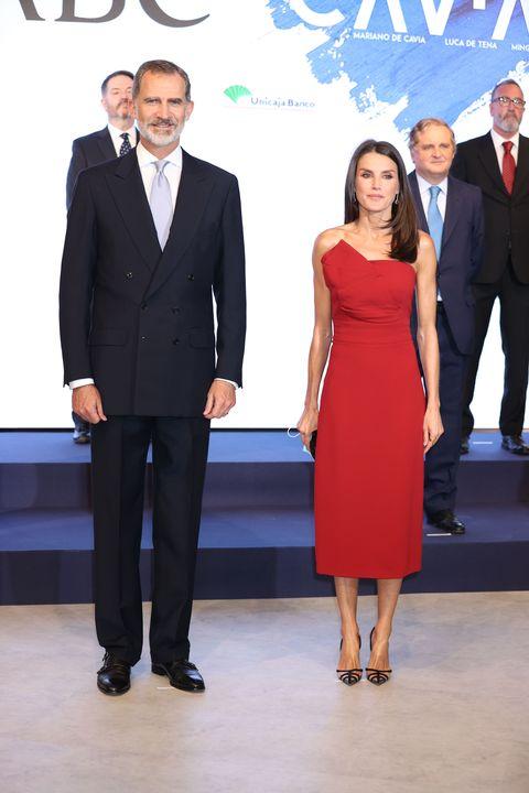 reyes felipe y letizia en los premios mariano de cavia