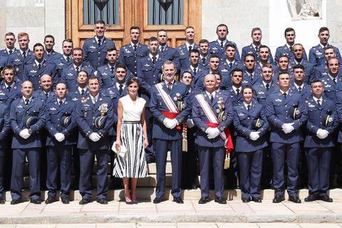 Doña Letizia, Rey Felipe, Reyes España, Entrega despachos reales, Letizia look, Letizia dos piezas, Letizia vestidos, Letizia falda