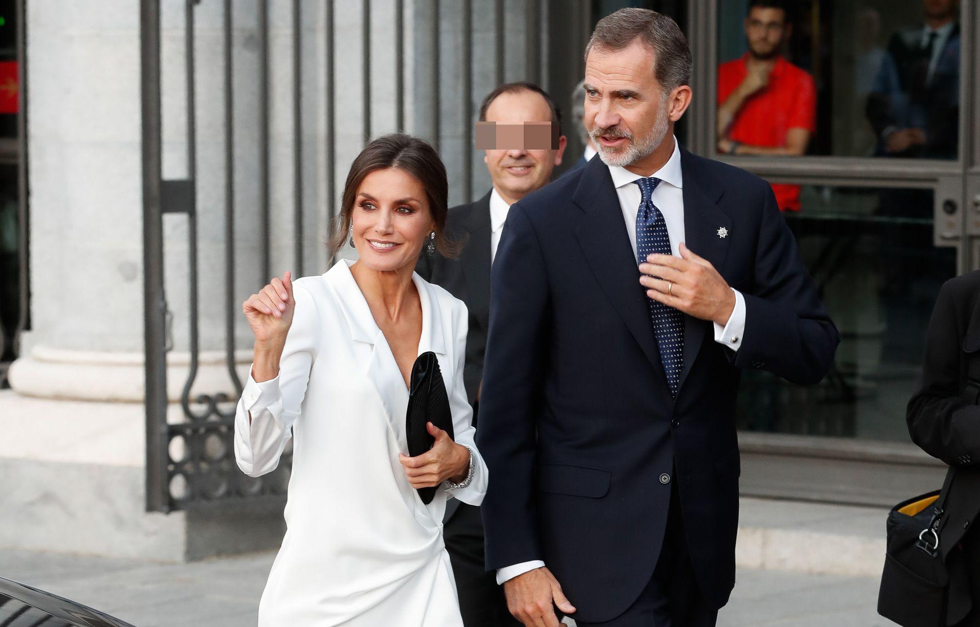 La Reina, con un vestido para deslumbrar