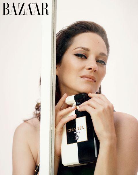 【封面人物】「凡事都該抱以尊重態度」:女演員marion cotillard的法式哲學!