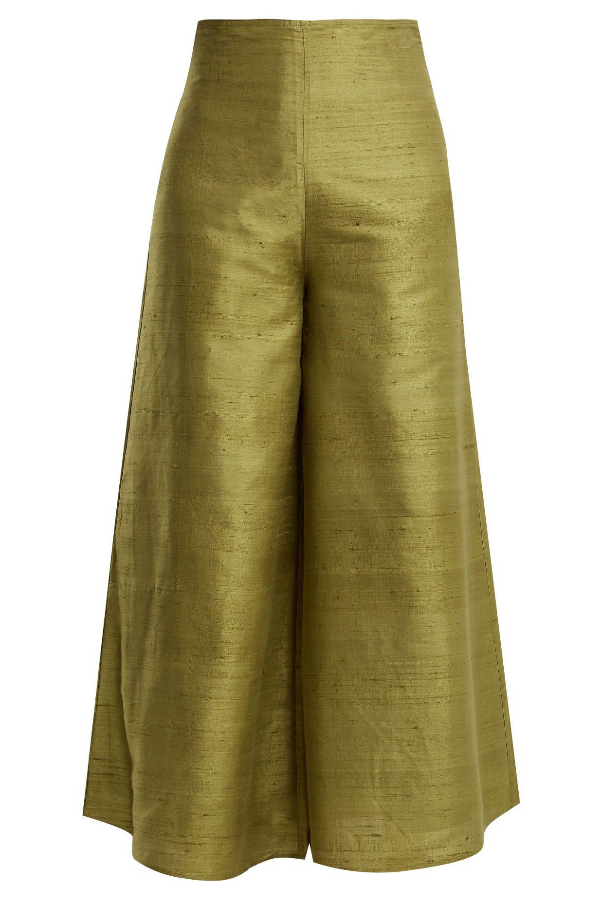 7b509f888b9c Wide leg trousers trend - how to wear wide leg trousers