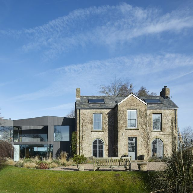 peek inside this riba award winning 18th century farmhouse in gloucestershire