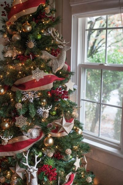 How To Put Ribbon On A Christmas Tree - Ideas for Ribbon Decor on ...