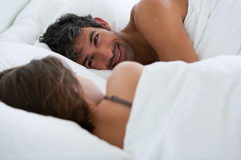 richard  kirstin sleeping in bed 0078