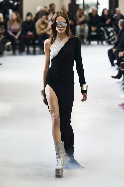 Rick Owens Herfst/Winter 2020 show op Paris Fashion Week.