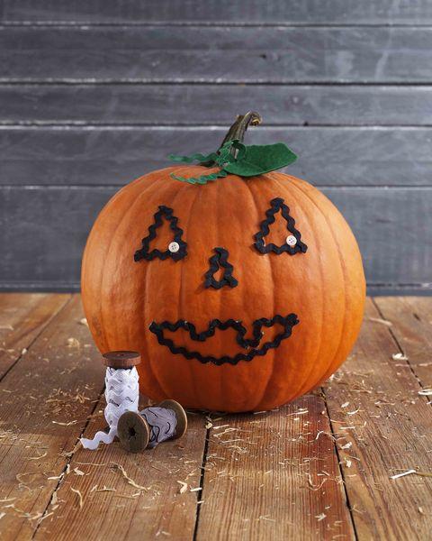 rickrack pumpkin face