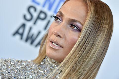 Ricrescita capelli bianchi il segreto per coprirla di Jennifer Lopez