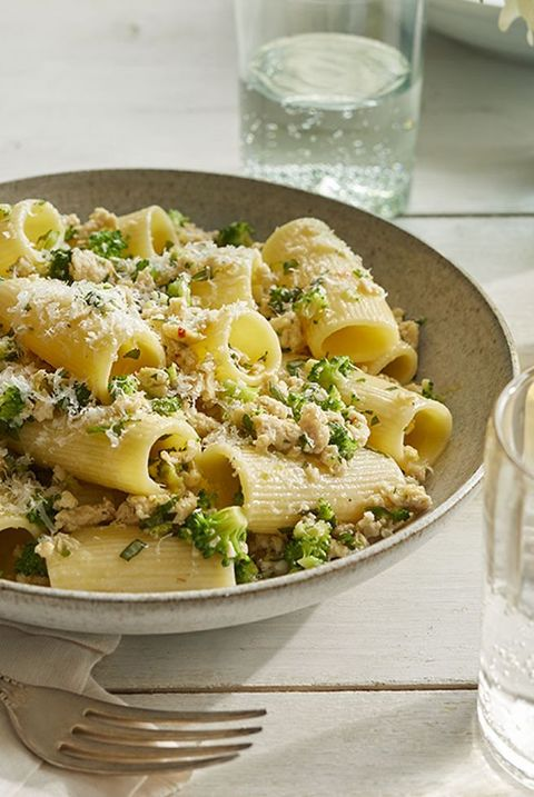 romantic dinner ideas   rigatoni with chicken and broccoli bolognese