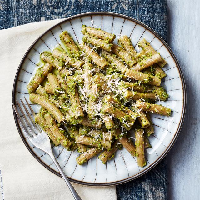 rigatoni with pistachio pesto