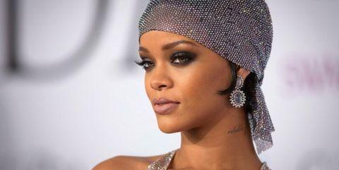 Hair, Face, Eyebrow, Clothing, Beauty, Lip, Hairstyle, Skin, Forehead, Headgear,