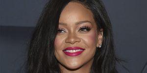 Rihanna se estrena en los tutoriales de maquillaje en YouTube