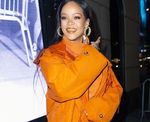Super How Rihanna Celebrated Her 32Nd Birthday Mexico Vacation Party Funny Birthday Cards Online Benoljebrpdamsfinfo