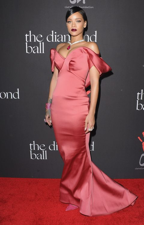 Rihanna Wore a Giant Bow Alexis Mabille Gown and Many Chopard ...