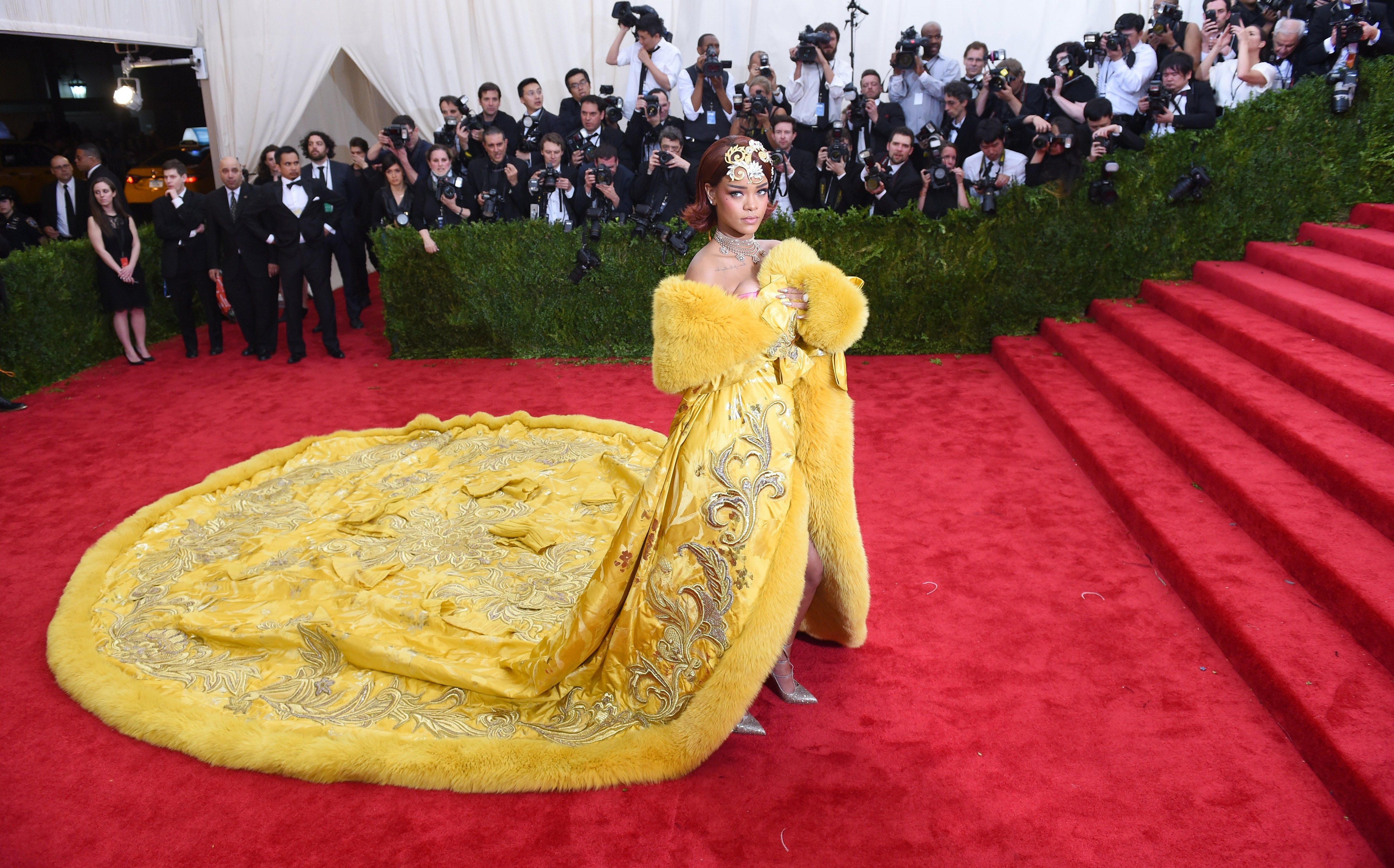 Guo Pei to Host Runway Show at the V&A