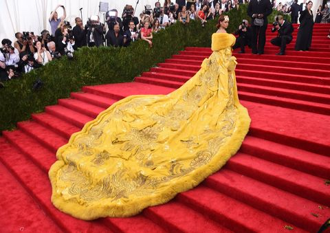 rihanna in a gold gown at the 2015 met gala