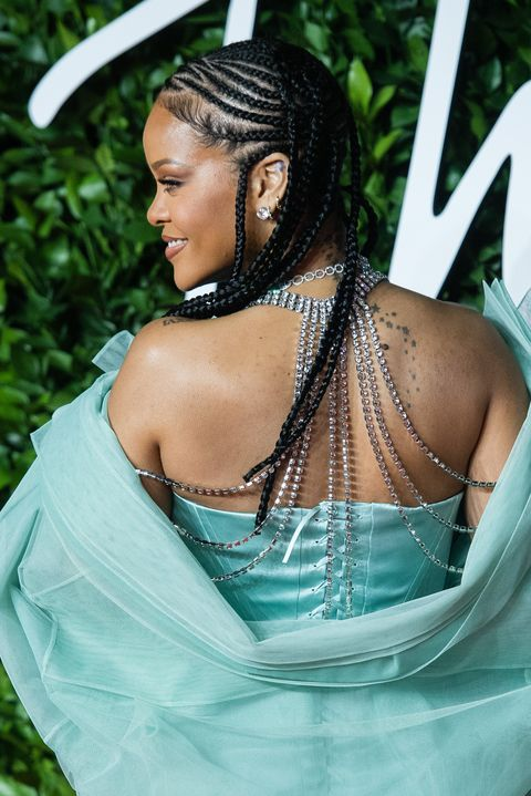 the fashion awards 2019  red carpet arrivals