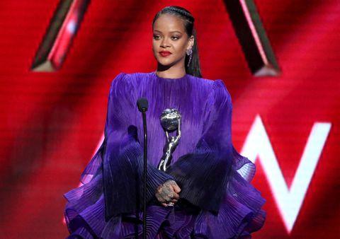Rihanna dona dinero coronavirus