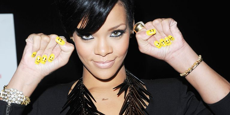 103 celebrity nail art designs to give you ALL the inspo. - 103 Celebrity Nail Art Designs To Give You ALL The Inspo...