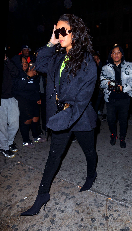 8a50ebfa68 Rihanna s Best Street Style - Rihanna s Best Looks