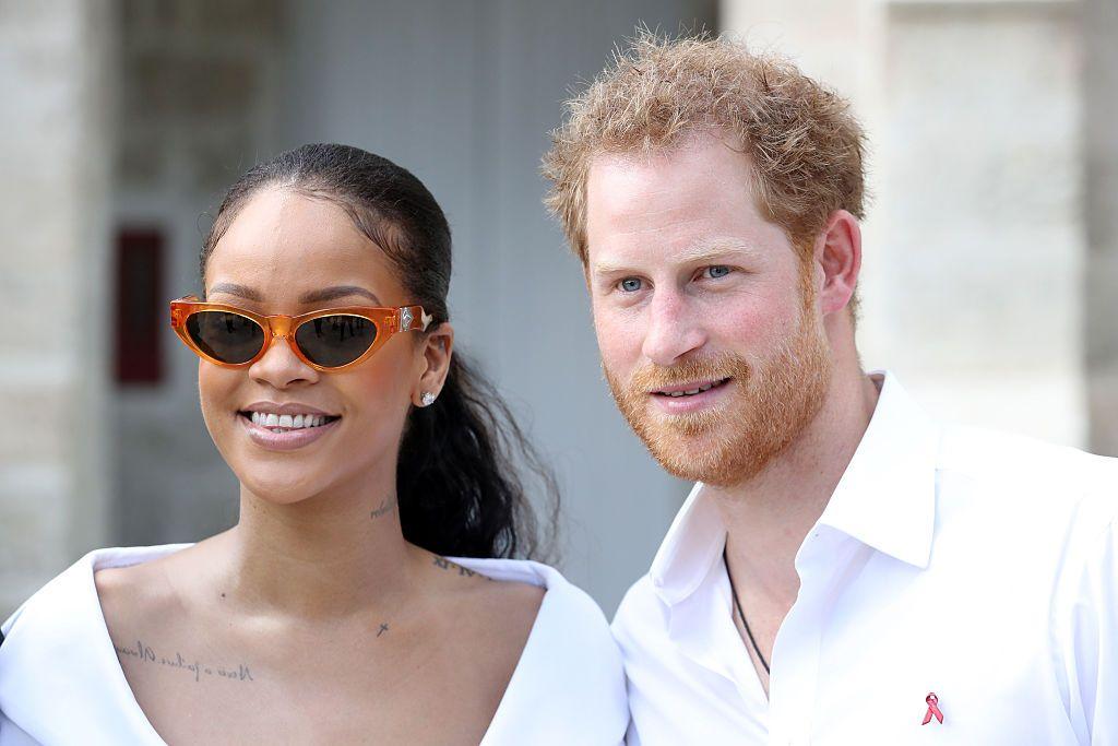Rihanna lista storia datingonline dating chiedere ragazza fuori