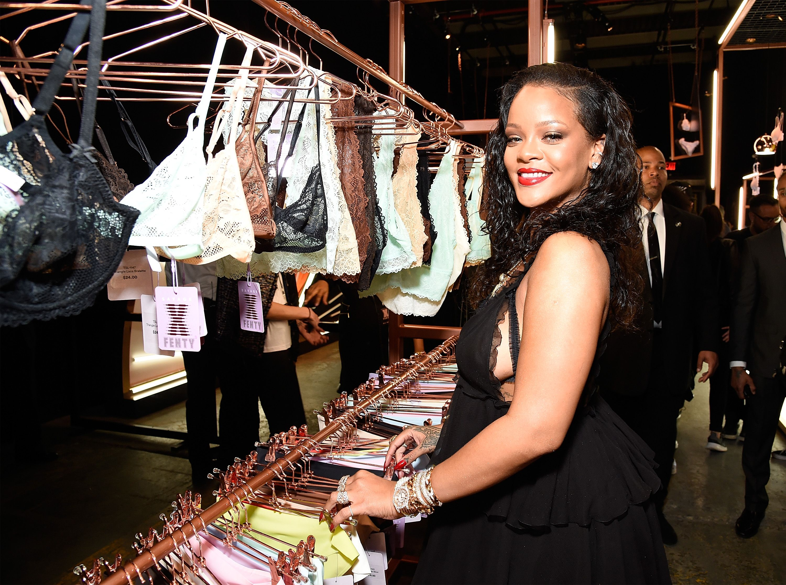 9e9f19f5937604 Rihanna s Lingerie Line Plans to Introduce Even More Sizes After Fans  Complained