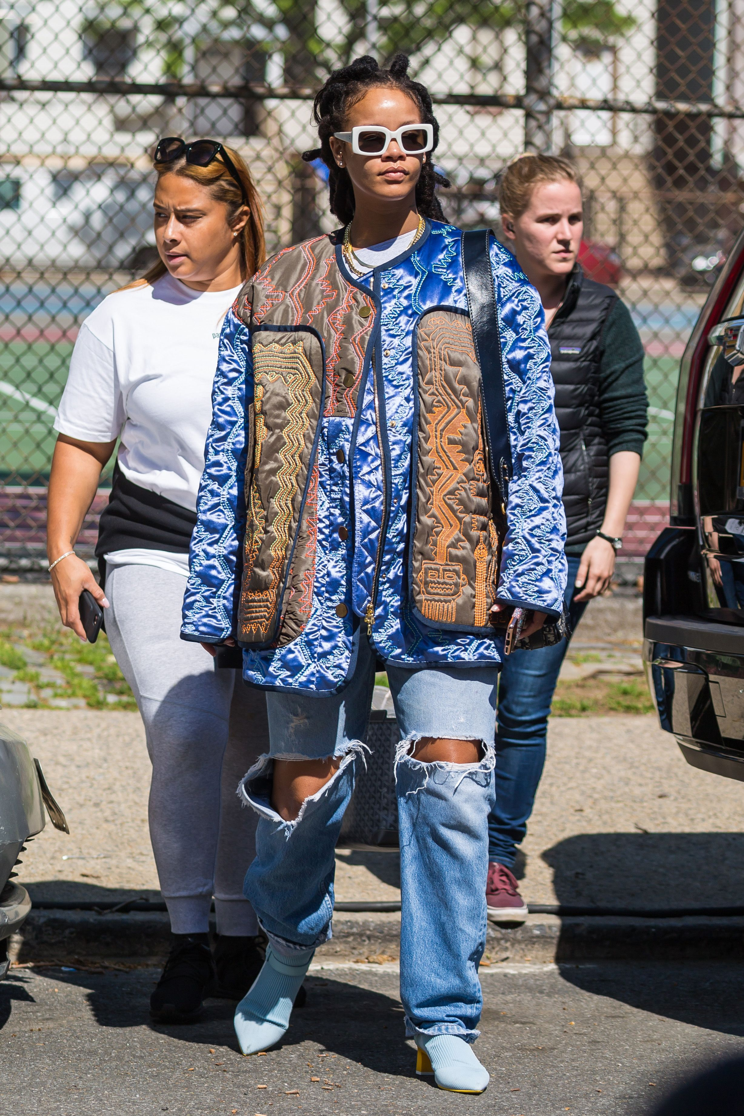 23 Iconic Rihanna Outfits , The Best Rihanna Style Ideas to