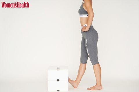 Clothing, Leg, Human leg, Standing, Arm, Sportswear, Knee, Joint, Shoulder, Active pants,