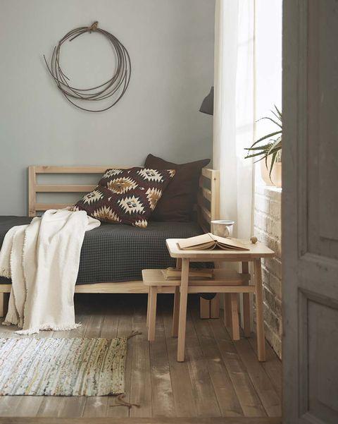 4b0f46ee73 Ideas y muebles para decorar el salón para que sea tu oasis particular
