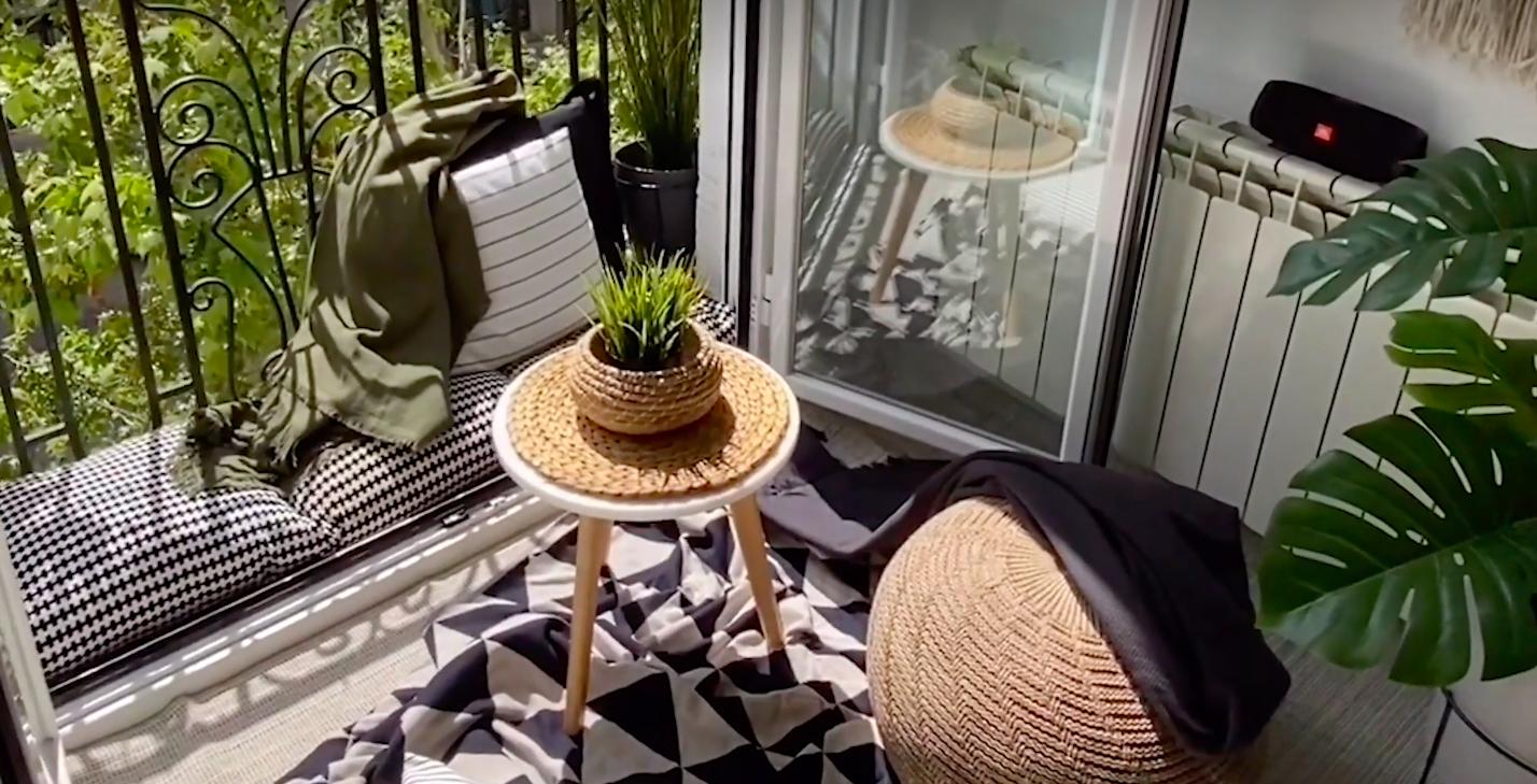Trucos para hacer de tu balcón un lugar para crear tu mini espacio en el salón