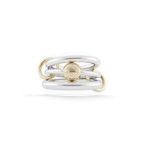 Fashion accessory, Jewellery, Ring, Metal, Brass instrument, Silver, Platinum, Brass, Gemstone,