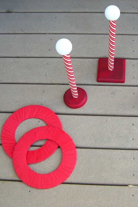 30 Fun Christmas Games to Play With the
