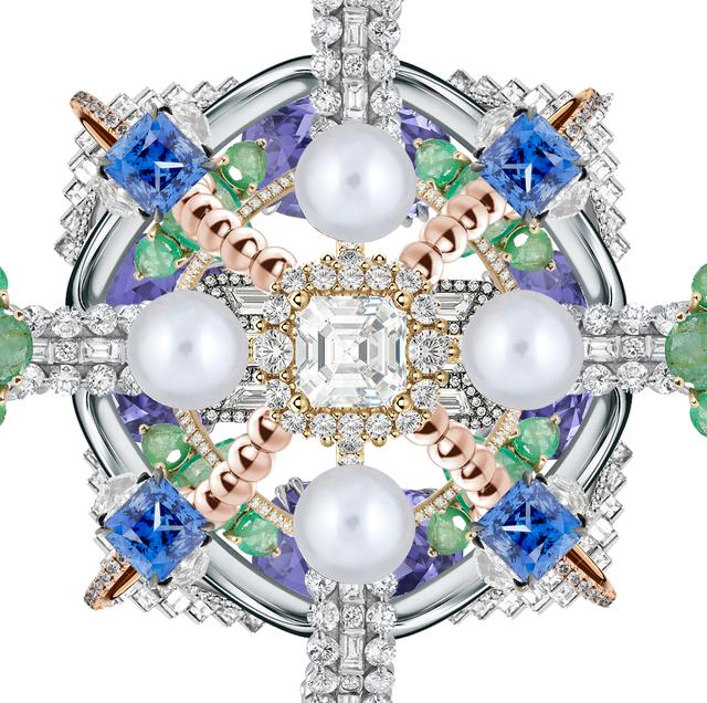 Fashion accessory, Body jewelry, Jewellery, Gemstone, Brooch, Symmetry, Diamond, Crystal,