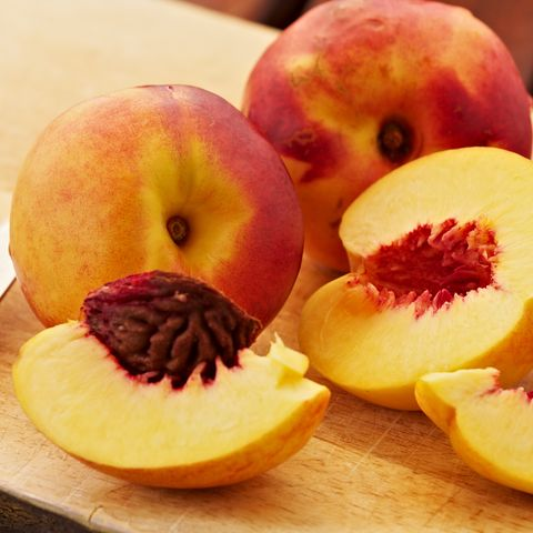 Yellow Peaches - Types of Peaches