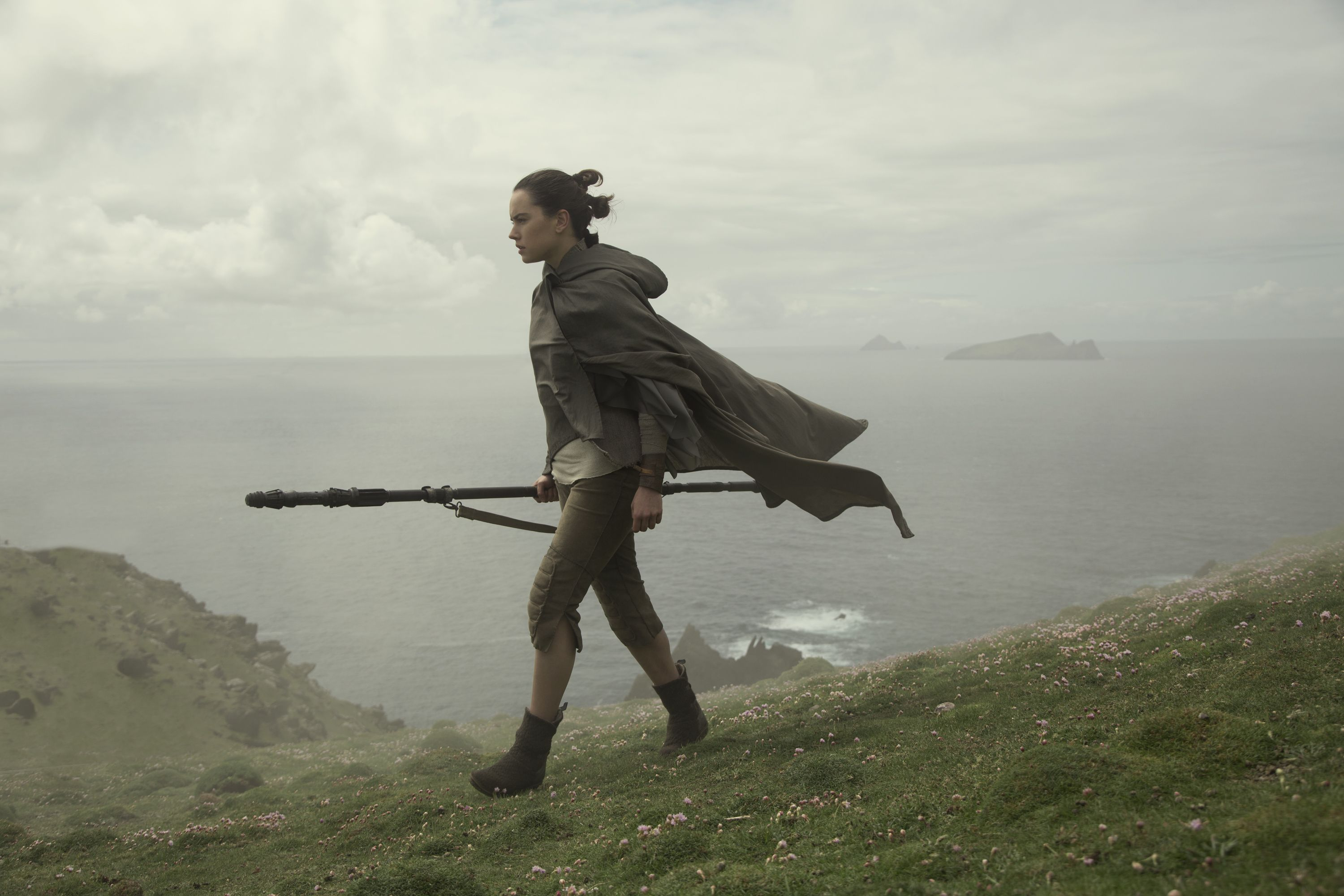 Star Wars: The Rise of Skywalker new D23 footage teases Rey moving to the Dark Side