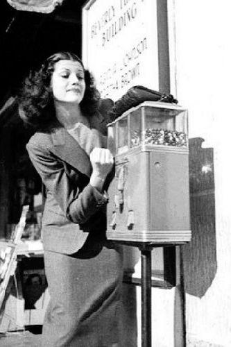 Vintage Celebrities In Coney Island Vintage Photos Of