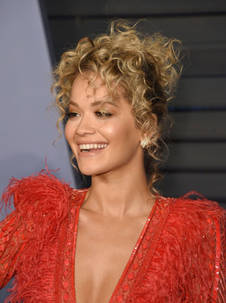 25 Short Curly Hairstyles Ideas 25 Short Curls Celebrity