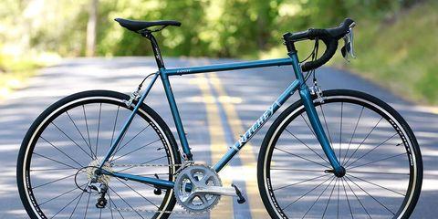 Land vehicle, Bicycle, Bicycle wheel, Bicycle frame, Bicycle part, Vehicle, Bicycle tire, Bicycle handlebar, Road bicycle, Spoke,