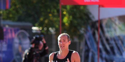 Dathan Ritzenhein finishes the 2013 Chicago Marathon