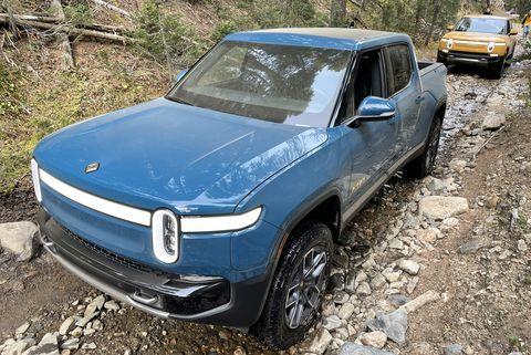 rivian r1t electric pickup truck 2022