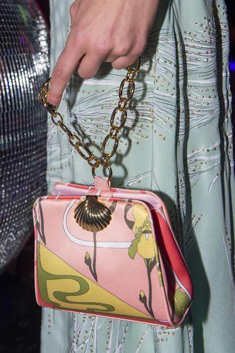 Pink, Handbag, Fashion accessory, Bag, Hand, Coin purse,