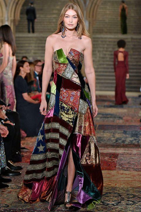 Fashion model, Fashion, Clothing, Fashion show, Dress, Haute couture, Runway, Gown, Shoulder, Formal wear,