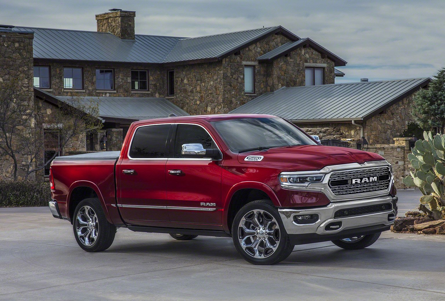 New Dodge Truck >> 2019 Ram 1500 Debuts At The Detroit Auto Show New Ram 1500 Specs