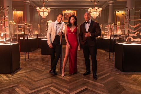 red notice   l r ryan reynolds, gal gadot and dwayne 'the rock' johnson star in netflix's red notice releasing november 12, 2021 written  directed by rawson marshall thurber cr frank masinetflix © 2021