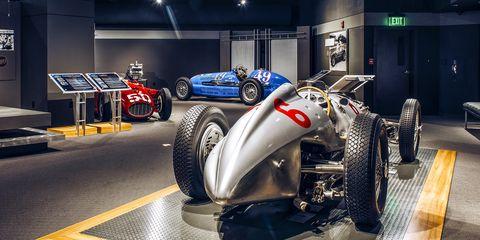 Tire, Vehicle, Automotive tire, Automotive design, Car, Auto show, Auto part, Automotive wheel system, Race car, Wheel,