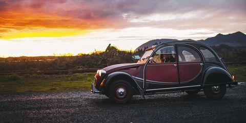 Land vehicle, Car, Vehicle, Classic car, Motor vehicle, Classic, Vintage car, Sky, Antique car, City car,