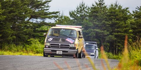 96203fa6ee The Glorious Madness of Japanese Dodge Van Racing