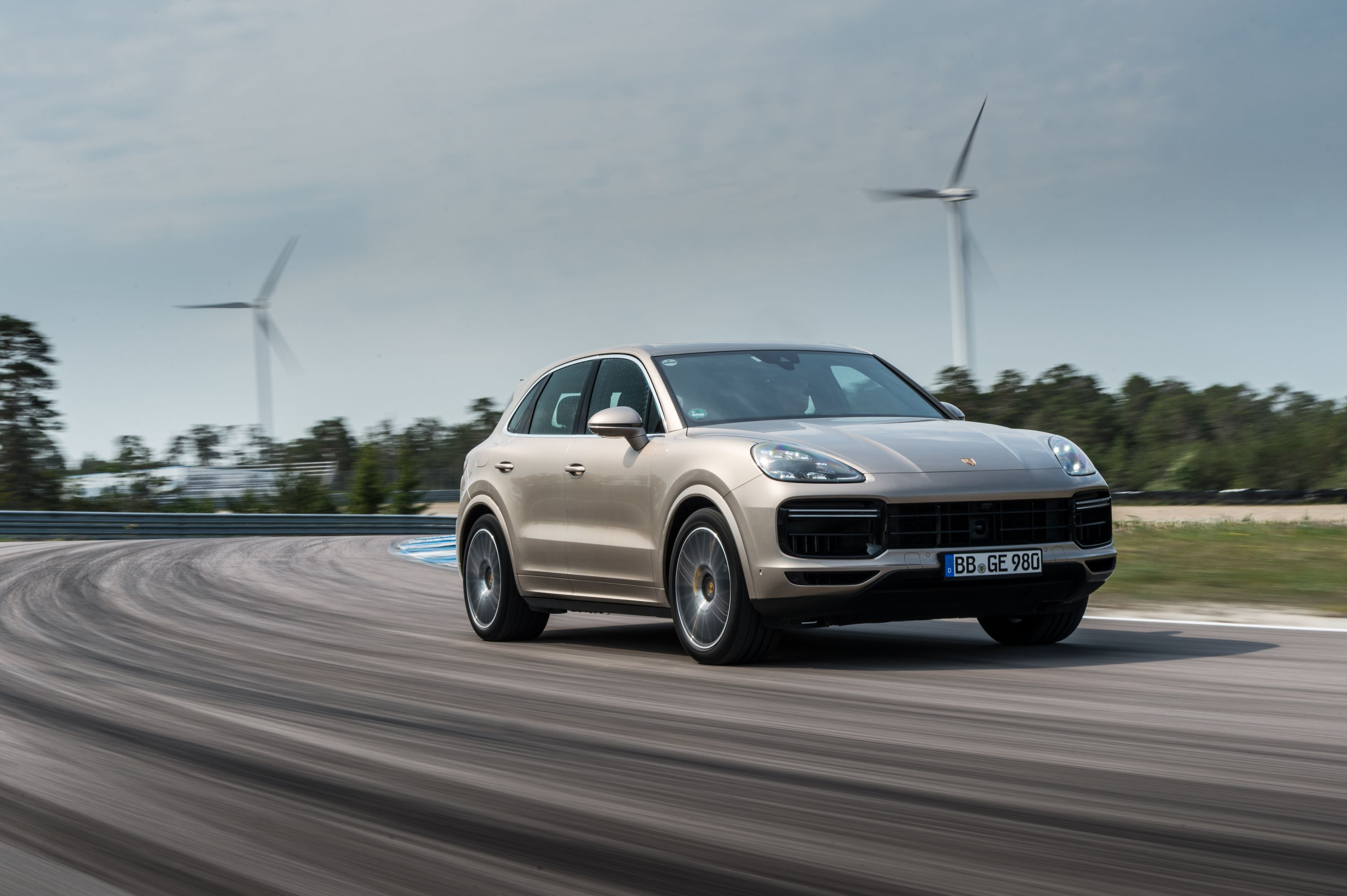 2020 Porsche Cayenne Turbo S E Hybrid Review